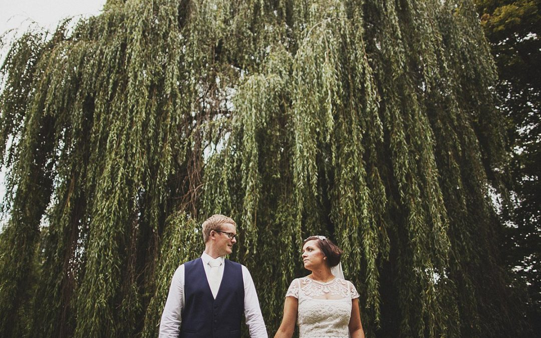 Berkshire wedding photography (Holly + Dan)