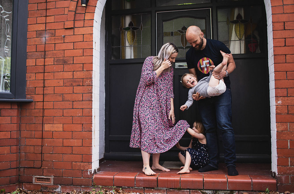 Chorlton family photographer {Holly, Kiwi, Flo + Rudy's doorstep shoot + lockdown interview}
